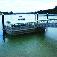Heavy-duty, dual freeboard ferry terminal platfrom