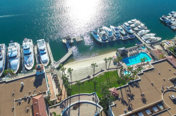 Balboa Bay Club Marina offers 130 slips ranging from 20 to 100 feet in length.