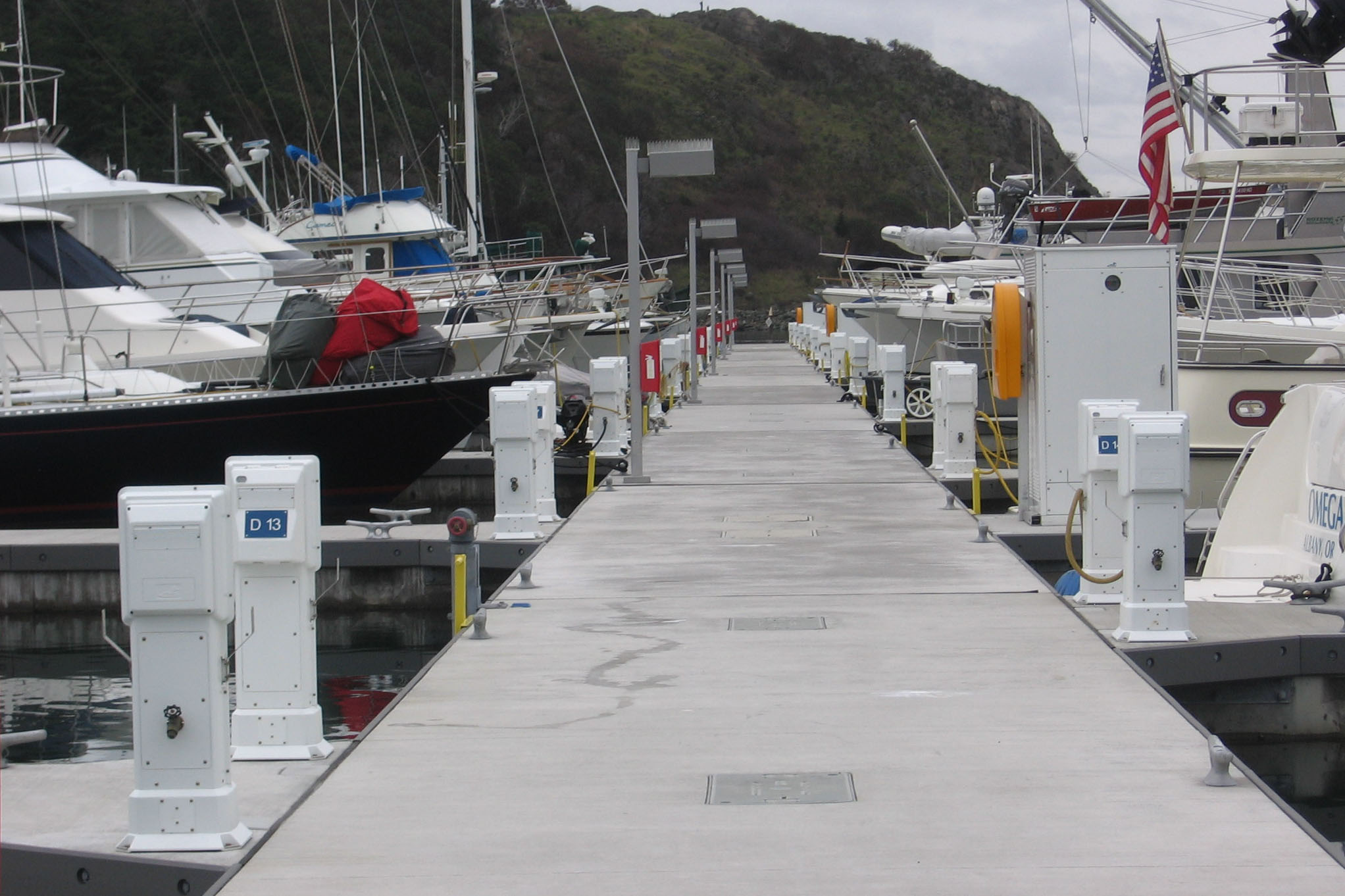 Unibolt – concrete dock with a bolted connection