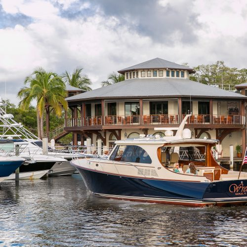 Yacht club members have access to many outstanding amenities that make the marina luxurious.