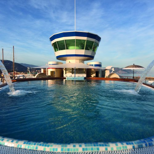The marina offers many amenities such as a five-star boutique hotel and this beautiful roof top pool.
