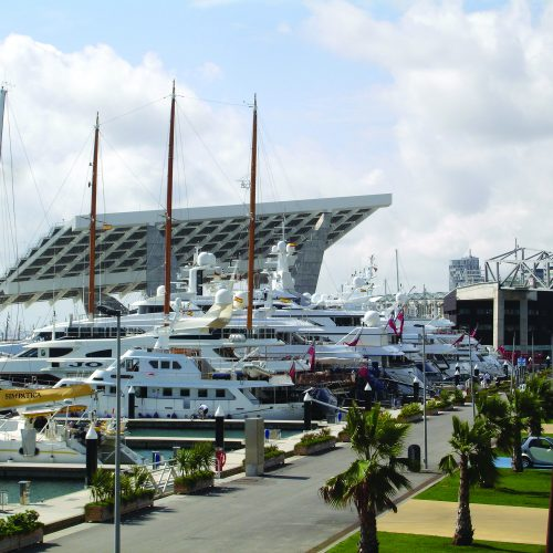 Port Forum has slips for 33 superyachts up to 80m in length.