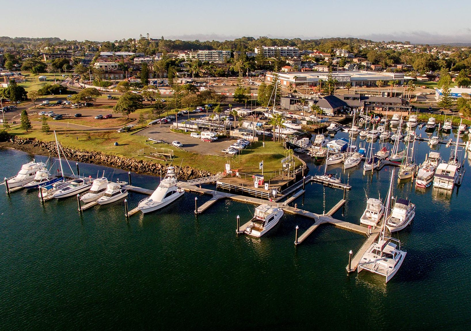Port Macquarie Marina in NSW, Australia welcomed visitors during the busy holiday season with brand new floating docks and an additional 14 berths with the help of Bellingham Marine.
